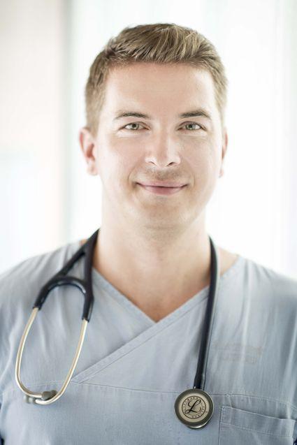 As Prof. Dr.  Aradi Dániel