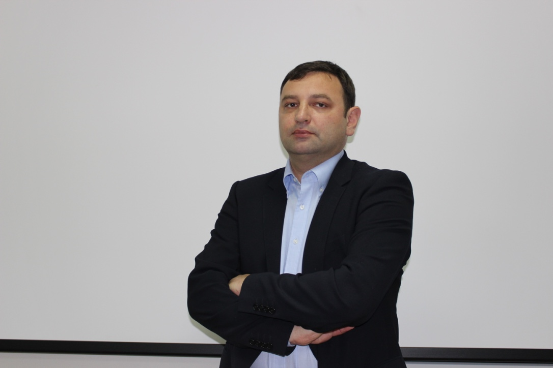 Sr Lect. Dr. Kovács István