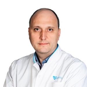 Dr. Adrian Bucsa